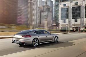 Foto Exteriores (2) Porsche Panamera-turbo-s Sedan 2013