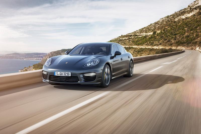 Foto Perfil Porsche Panamera Turbo S Sedan 2013