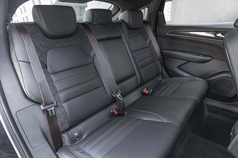 Renault Arkana E TECH Híbrido, foto asientos traseros
