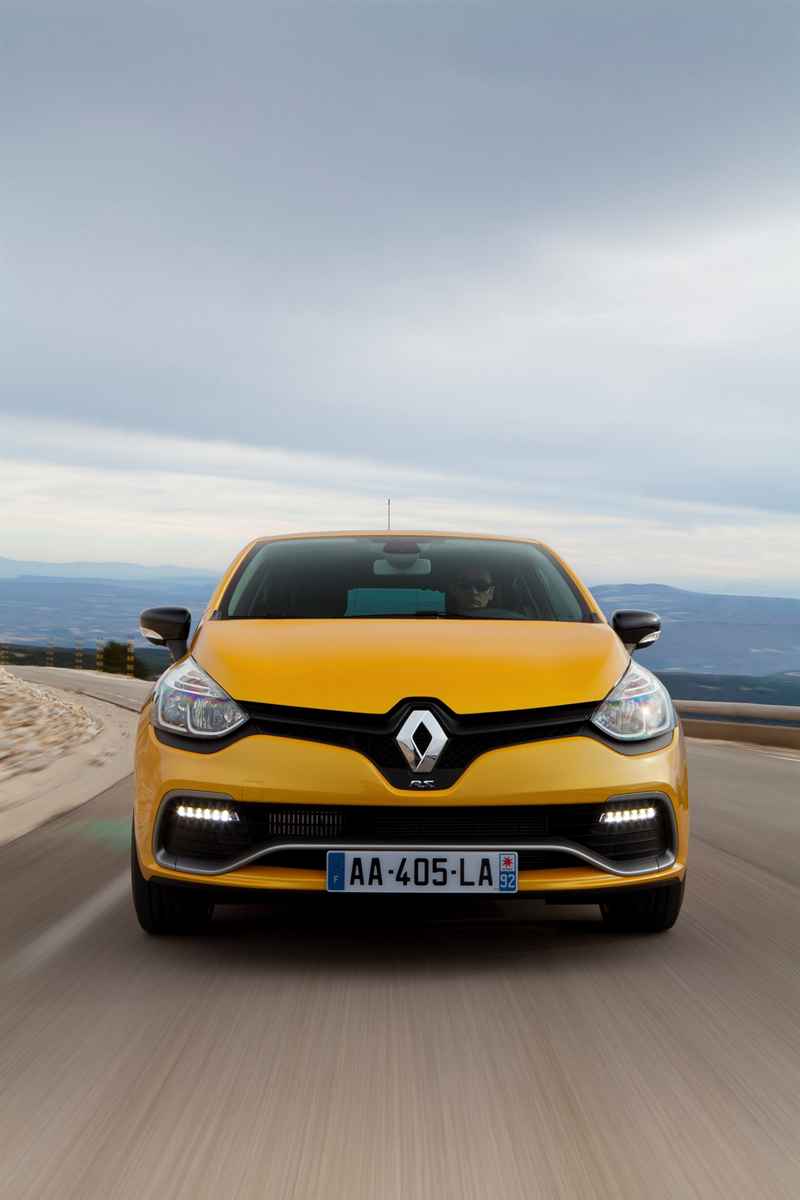 Foto Delantera Renault Clio Rs 200 Dos Volumenes 2013