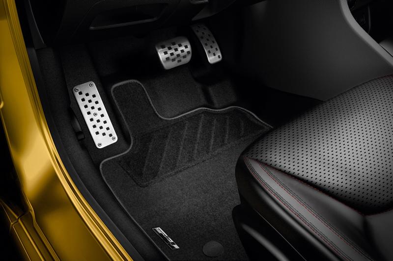 Foto Detalles Renault Clio Rs 200 Dos Volumenes 2013