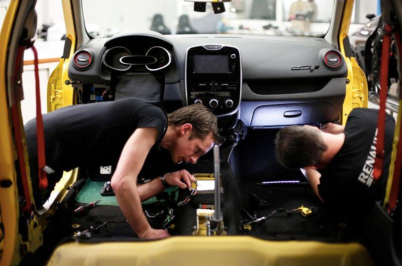 Foto Detalles Renault Clio Rs Kz 01 Filtraciones Dos Volumenes 2016