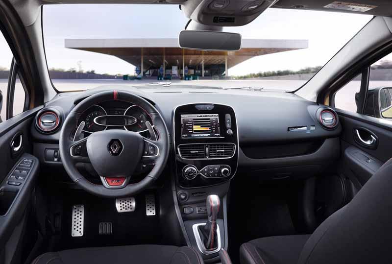 Renault Clio RS Trophy 2016, foto salpicadero