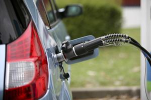 Foto Megane hidrogeno cargando Renault Ecologia