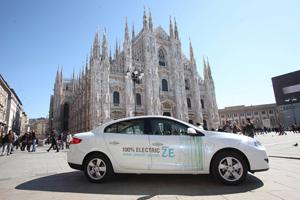 Foto Exteriores-(5) Renault Fluence-ze Sedan 2010