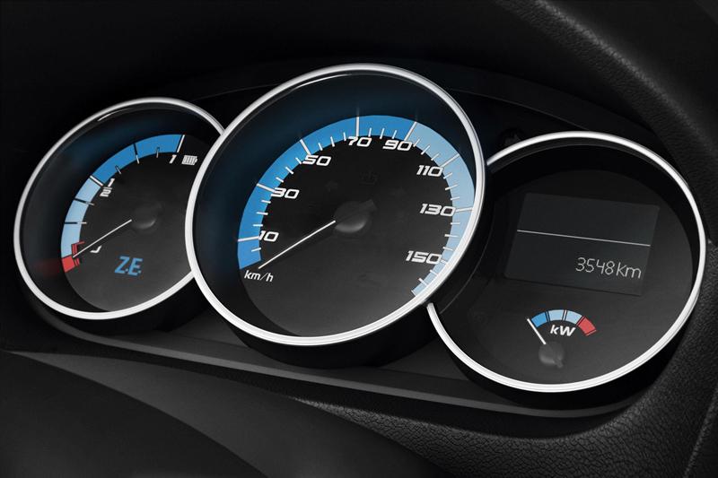 Foto Detalles Renault Fluence-ze Sedan 2010