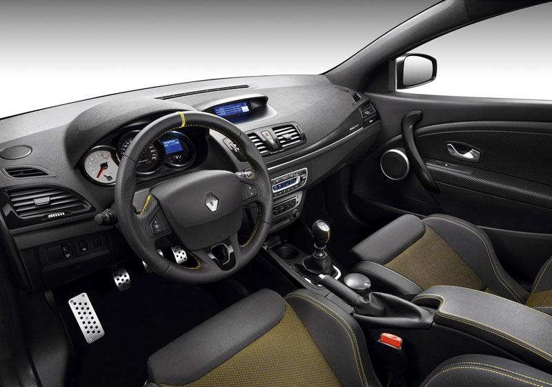 Foto Interiores Renault Megane Dos Volumenes 2012