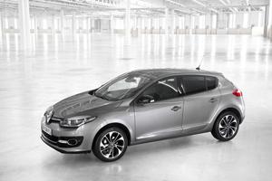 Foto Exteriores (14) Renault Megane Dos Volumenes 2014