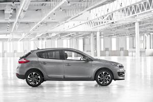 Foto Exteriores (16) Renault Megane Dos Volumenes 2014