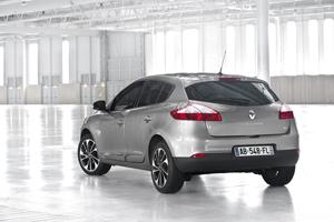Foto Exteriores (17) Renault Megane Dos Volumenes 2014