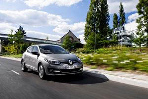 Foto Exteriores (18) Renault Megane Dos Volumenes 2014
