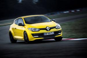 Foto Exteriores (3) Renault Megane Dos Volumenes 2014