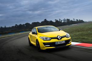 Foto Exteriores (4) Renault Megane Dos Volumenes 2014