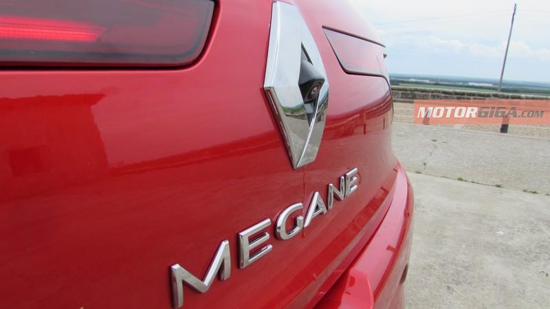 Foto Detalles Renault Megane Prueba Dos Volumenes 2016