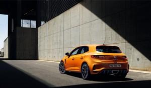Foto Trasera Renault Megane-rs Dos Volumenes 2018
