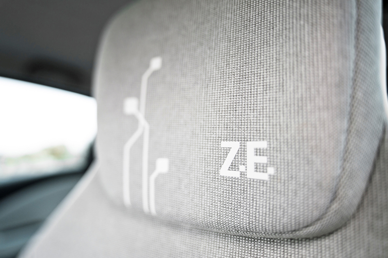 Foto Interiores Renault Zoe Dos Volumenes 2013