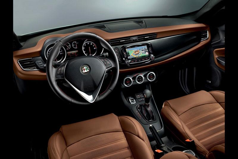 Foto Alfa Romeo Giulietta Salones Salon Ginebra 2014