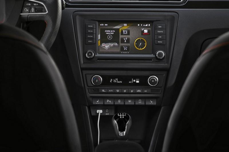 Foto Interiores Seat Toledo Sedan 2015