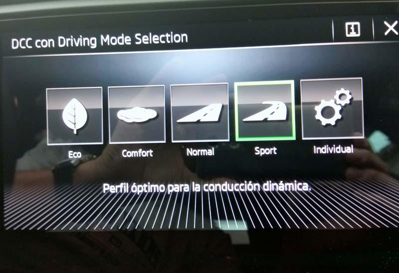 Skoda Octavia Combi RS 2.0 TSI DSG, foto driving mode selection
