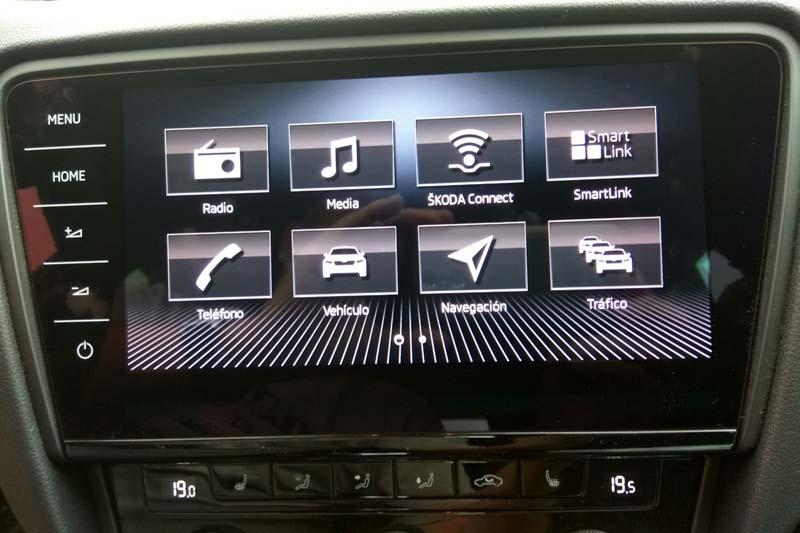 Skoda Octavia Combi RS 2.0 TSI DSG, foto pantalla táctil