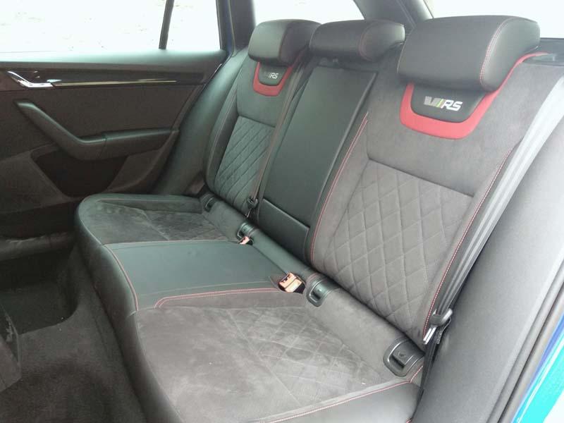 Skoda Octavia Combi RS 2.0 TSI DSG, foto asientos traseros
