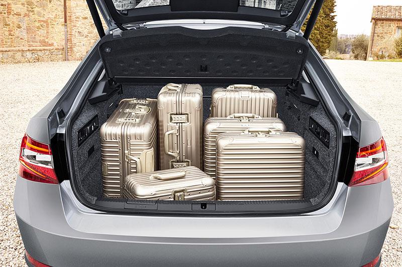Foto Interiores Skoda Superb Sedan 2015