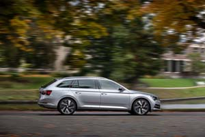 Foto Exteriores (2) Skoda Superb-combi-iv Familiar 2020