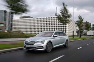 Foto Exteriores (9) Skoda Superb-combi-iv Familiar 2020