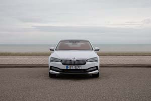 Foto Exteriores (13) Skoda Superb-iv Sedan 2020