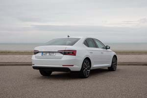 Foto Exteriores (17) Skoda Superb-iv Sedan 2020