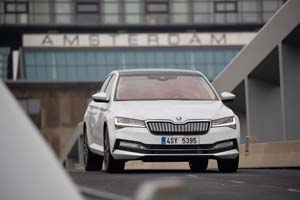 Foto Exteriores (8) Skoda Superb-iv Sedan 2020