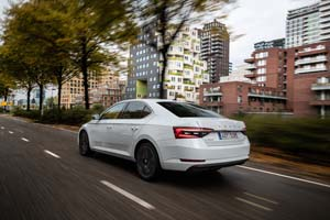 Foto Exteriores (9) Skoda Superb-iv Sedan 2020