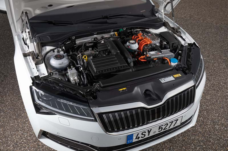 Foto Tecnicas.(1) Skoda Superb-iv Sedan 2020