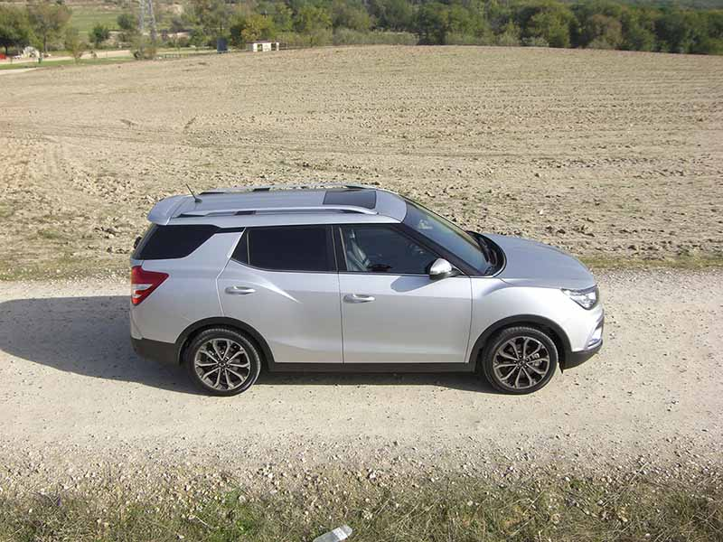 Foto lateral SsangYong XLV