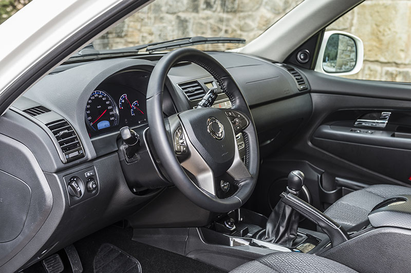 Foto Interiores Ssangyong Rexton W D22t Suv 2016