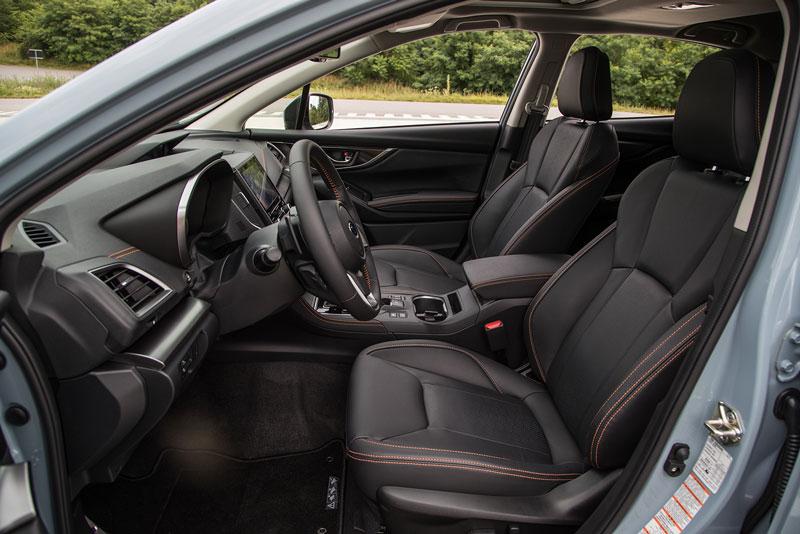 Subaru XV 2018, foto asientos delanteros