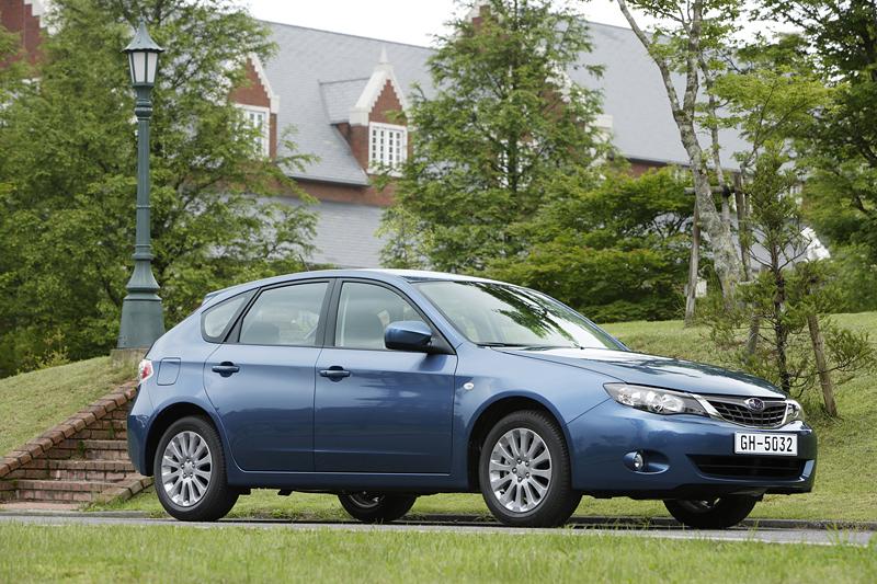 Foto Lateral Subaru Impreza Dos Volumenes 2008