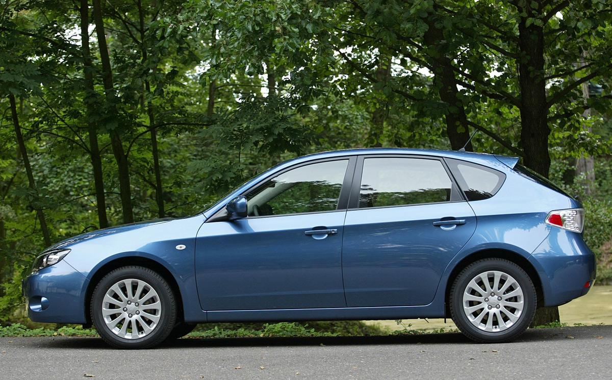 Foto Perfil Subaru Impreza Dos Volumenes 2008
