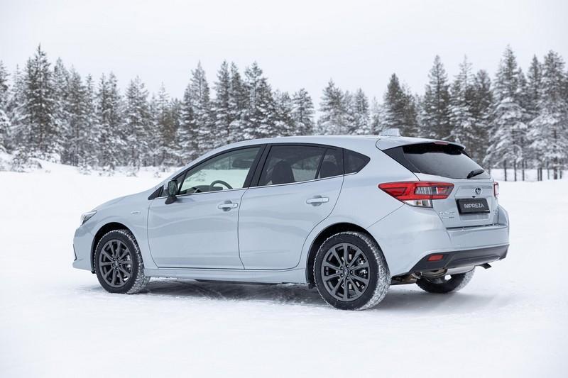 Foto Trasera Subaru Impreza Eco Hybrid Dos Volumenes 2020