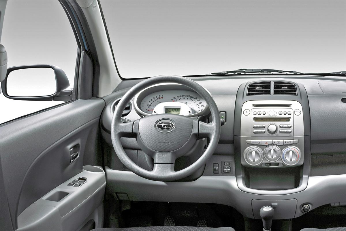 Foto Salpicadero Subaru Justy Dos Volumenes 2006