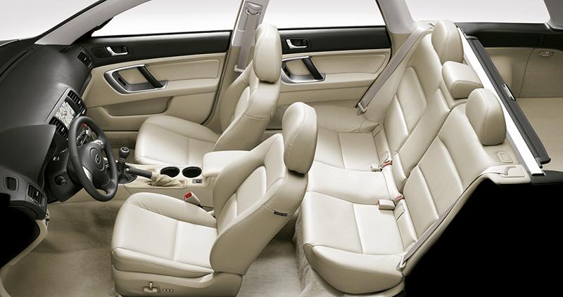 Foto Interiores Subaru Legacy Familiar 2008
