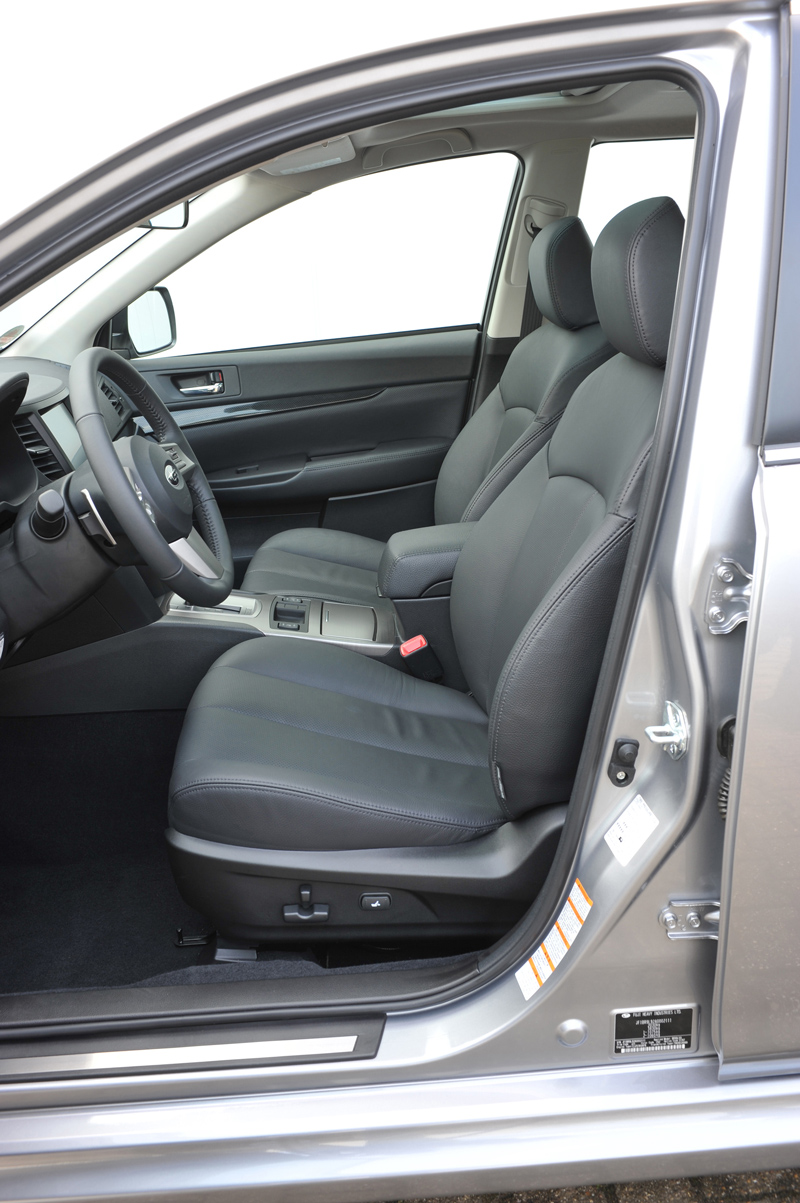 Foto Detalles Subaru Legacy Familiar 2010