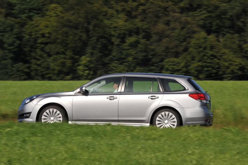 Foto Perfil Subaru Legacy Familiar 2010