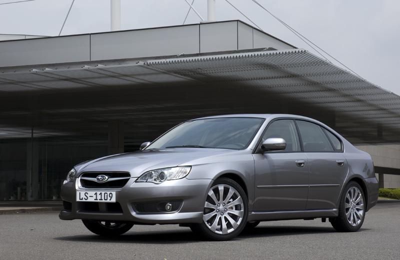 Foto Lateral Subaru Legacy Sedan 2008