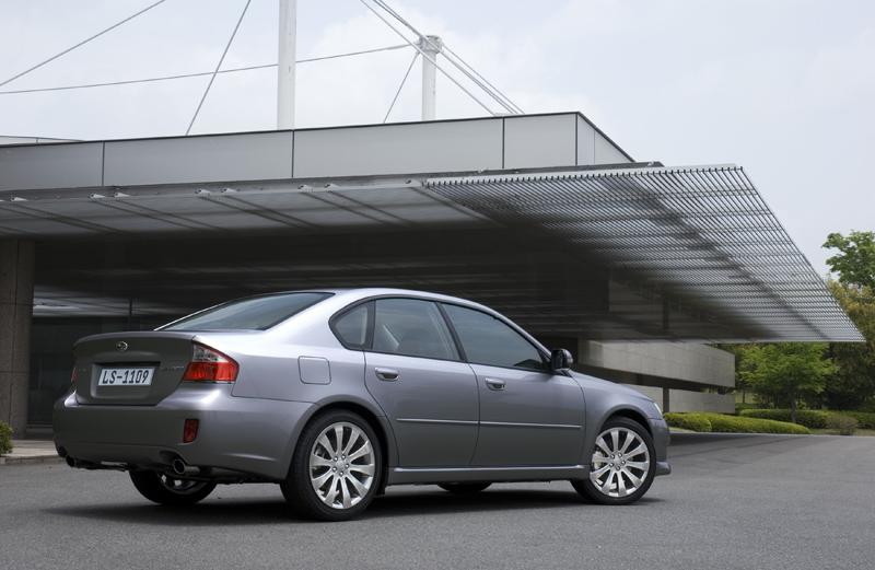 Foto Perfil Subaru Legacy Sedan 2008
