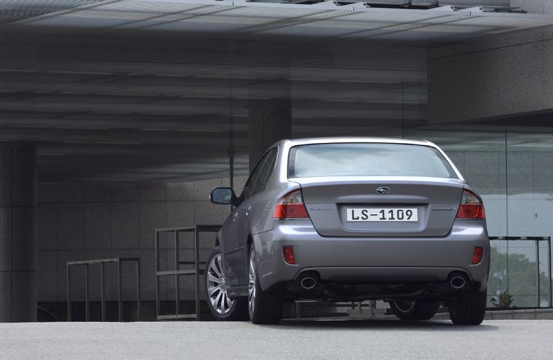 Foto Trasero Subaru Legacy Sedan 2008