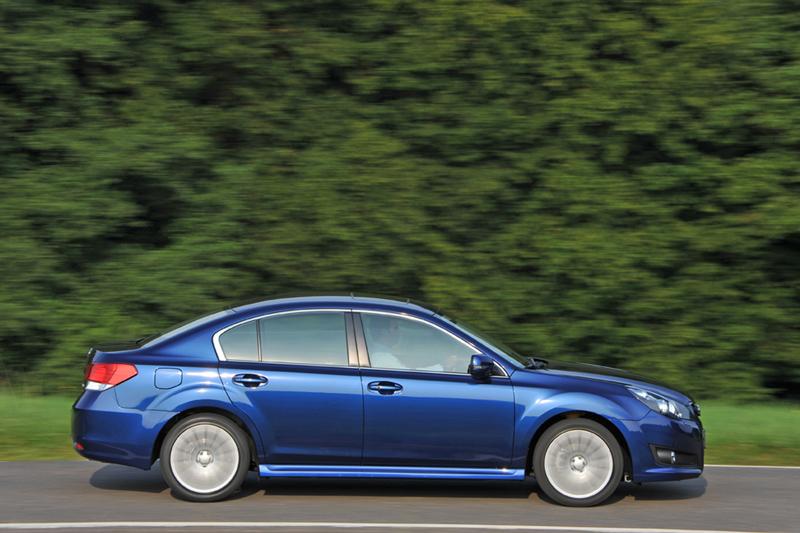 Foto Perfil Subaru Legacy Sedan 2010