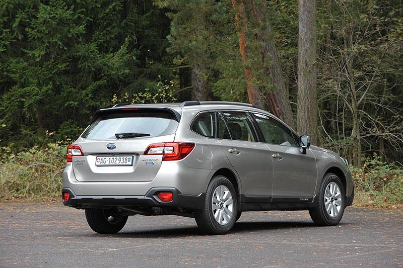 Vista trasera Subaru Outback 2015