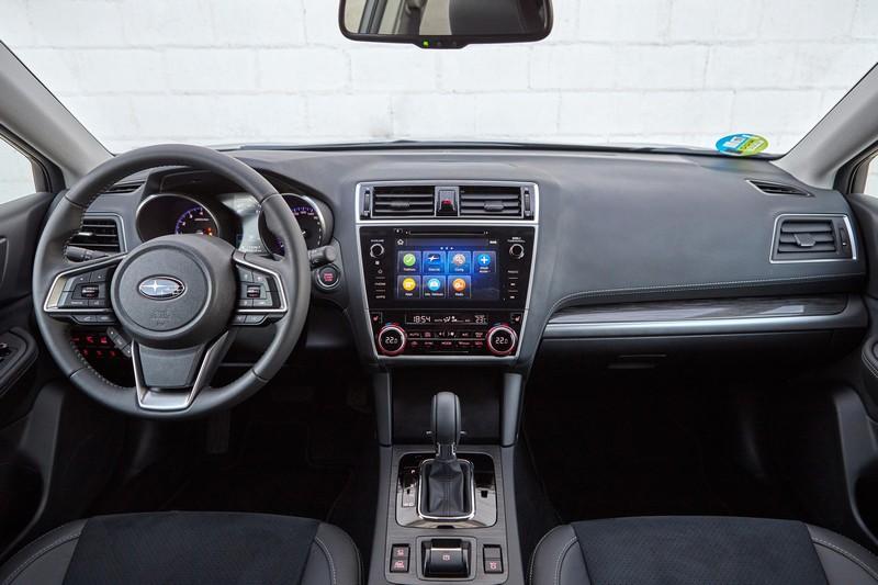 Foto Salpicadero Subaru Outback Silver Edition Suv Todocamino 2020