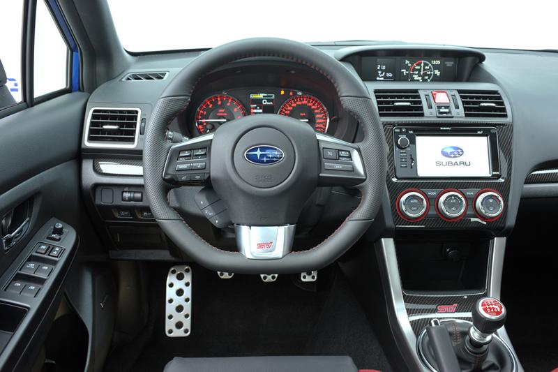 Foto Interiores Subaru Wrx Sti Cupe 2014